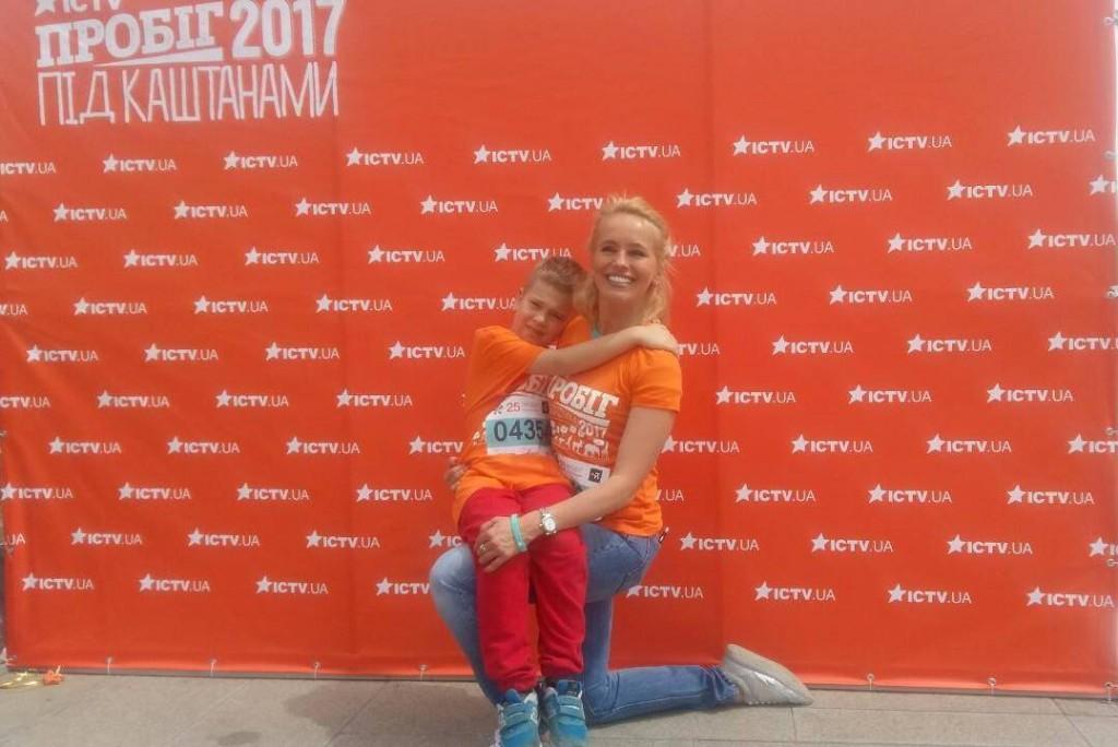 Команда ICTV пробежала на День Киева - photo