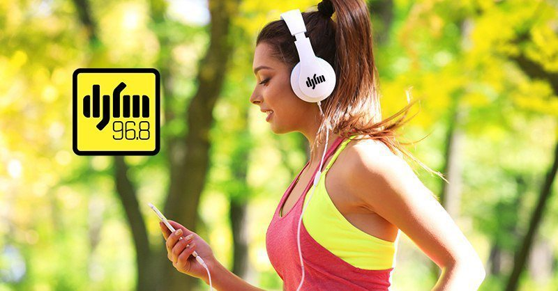 Самая громкая радиостанция страны – DJ FM – задает ритм и движение участникам «Пробег под каштанами»