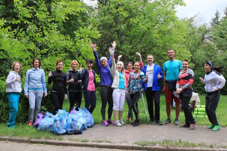 Плогеры собрали более 30 пакетов мусора в парке «Нивки»